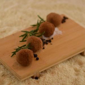 Handgemaakte artisanale vleeskroketjes